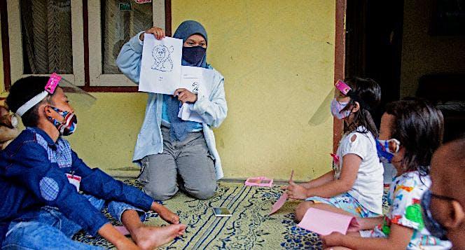 Bantuan Belajar untuk Adik-Adik Sekolah Sungai