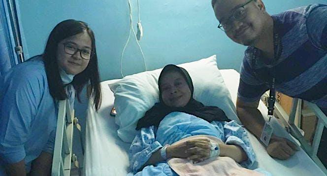 Bantu Ibu Leli lawan tumor sumsum tulang belakang