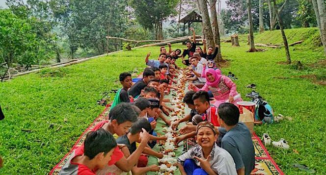 Bantu Kami Untuk Makan Anak Yatim Dhuafa