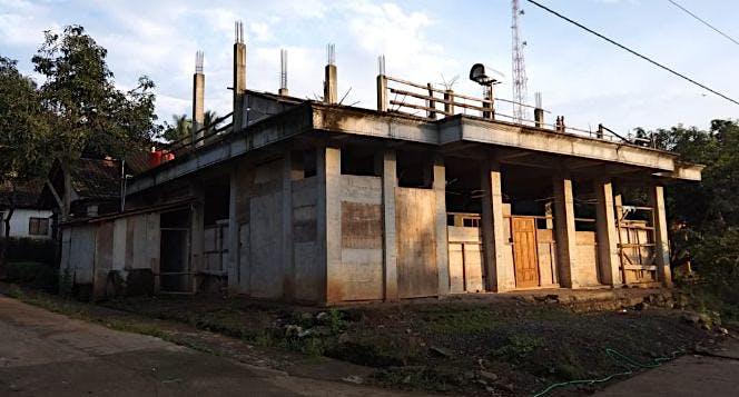 Bantu kami untuk punya masjid lagi