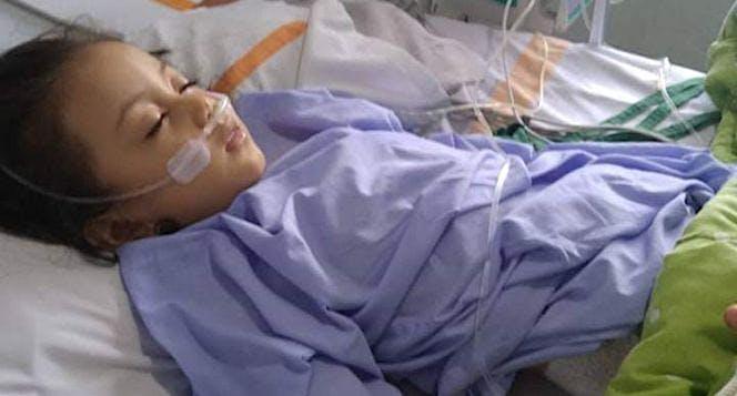 Bantu dede Ameera melawan penyakit meningitis nya