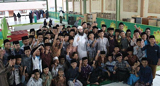 Bangun Masjid untuk Pesantren Tahfidz