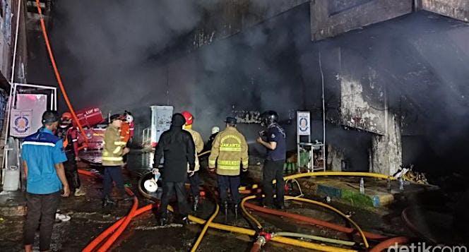 Bantu pedagang Pasar Minggu pulih dari kebakaran