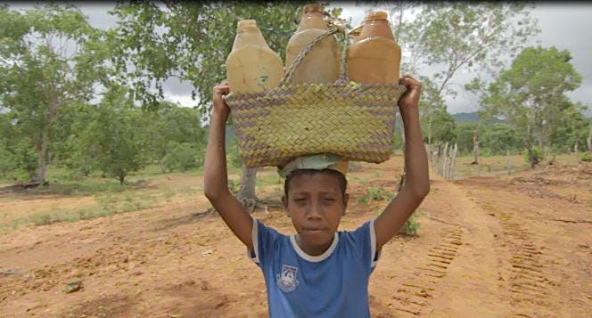 Bantu Ibu Teresina & 120 KK Untuk Air Bersih
