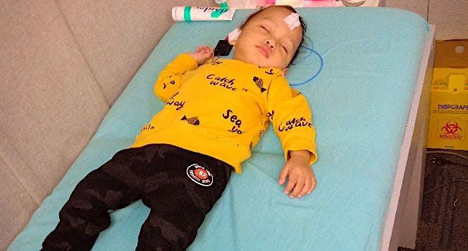 Bantu anakku Daffa  bisa mendengar suara dunia