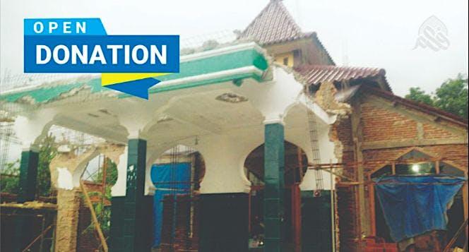 Bantu Masyarakat Kerjo merevitalisasi masjidnya