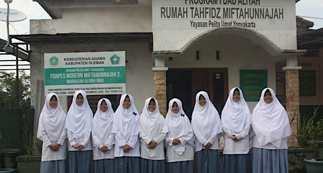 Amal Jariyah Pembangunan Masjid Pesantren