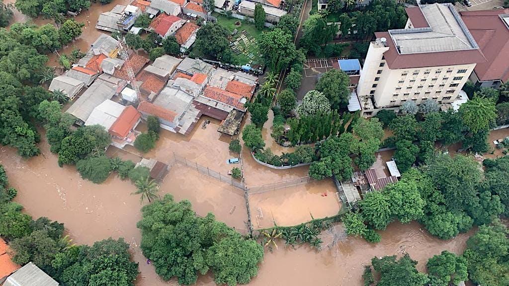 URGENT! Bantu Korban Banjir Jakarta dan Sekitarnya