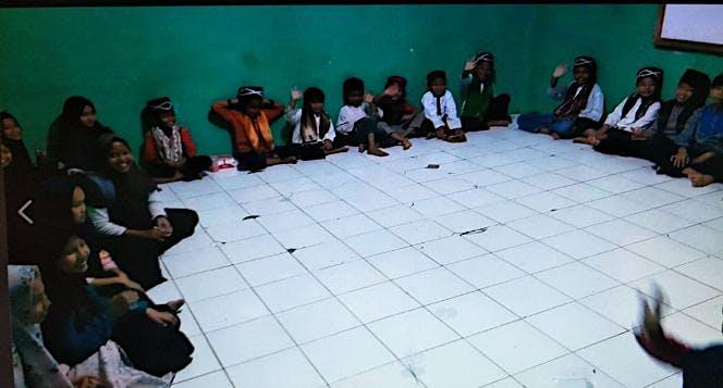 Bantu Anak-anak Yatim Piatu